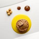 Tortino caldo al cioccolato fondente e nocciole e zabaione